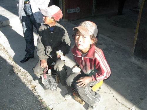 Tibet Tour - Shoe Shine