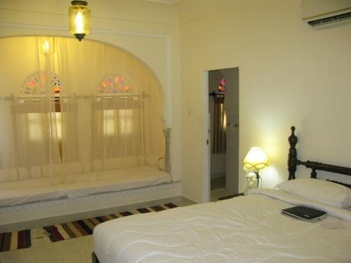Khandela Haveli - Jaipur, India - Bedroom