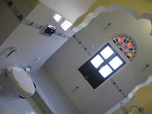 Khandela Haveli - Jaipur, India - Bathroom