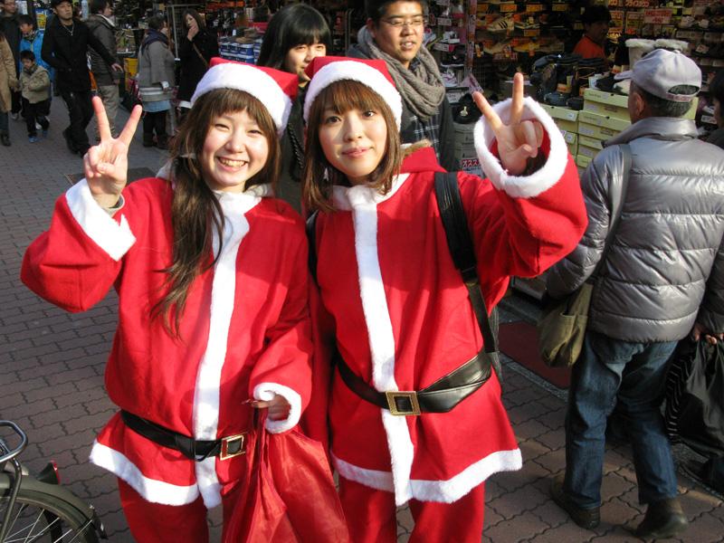 female-japanese-santa-christmas